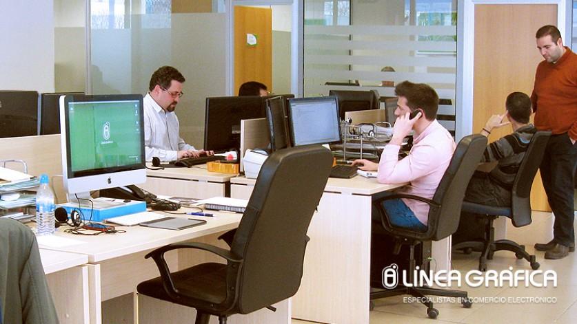 ABC Sevilla destaca a Línea Gráfica como referente en tiendas online